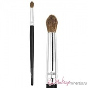 mineral-brushes-coastal-scents-classic_blender_crease_natural_661375900